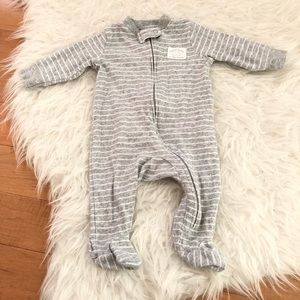 Carter's Sz 3M Unisex Gray One Piece Footies